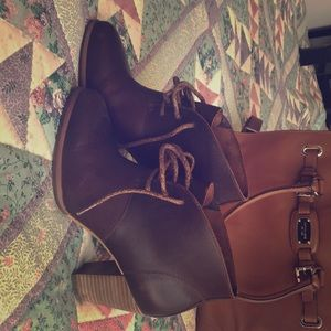 Cute Ugg leather booties